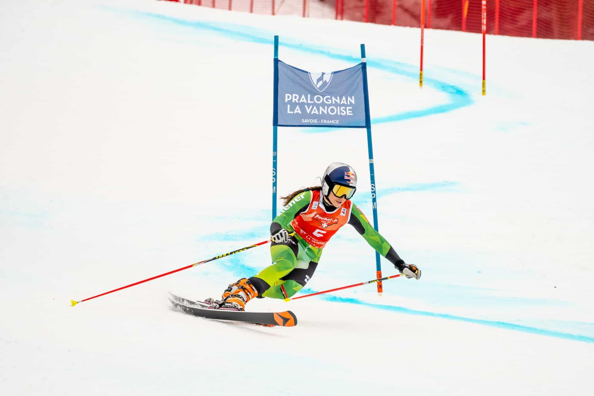 Johanna Holzmann auf Platz 2 beim Saison Auftakt in Frankreich