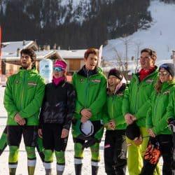 Telemark Team Germany singt die Nationalhymne für Johanna Holzmann