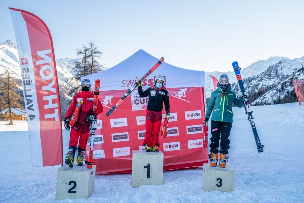 Johanna Holzmann wird dritte beim FIS Rennen in Thyon