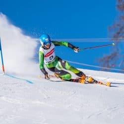 Thomas Orlovius zeigt nach Verletzung gute Fahrten beim FIS Rennen in Thyon
