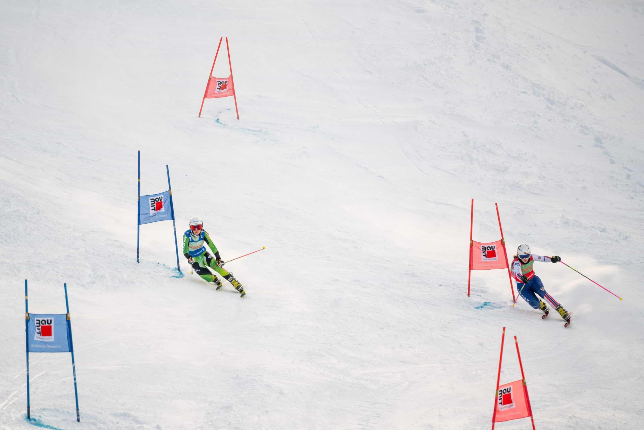 Kathrin Reischmann im Parallel Sprint gegen eine norwegische Athletin