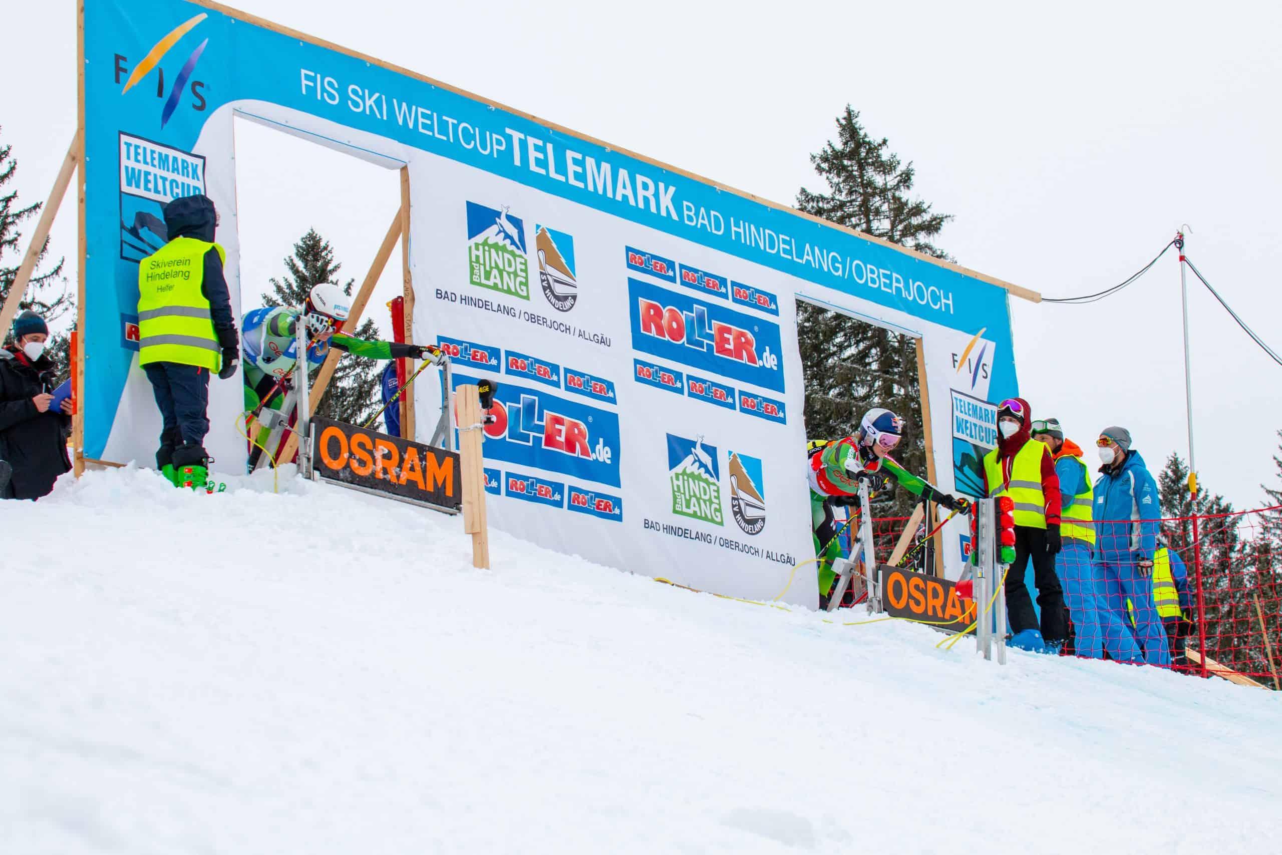 Johanna Holzmann und Kathrin Reischmann im Startgate beim Weltcup am Oberjoch
